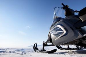 Jak zacząć swoją przygodę ze skuterami śnieżnymi? - Atrakcje.pl